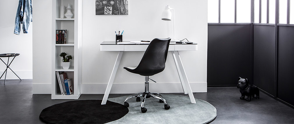 NEW STEEVY White Modern Chair on Castors